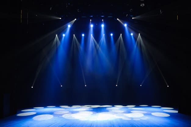 free-stage-with-lights-lighting-devices-background_104603-2121