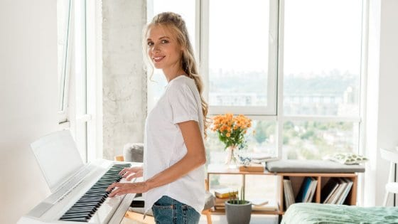 30 Easy Pop & Classical Piano Songs Beginners Should Learn In 2021!