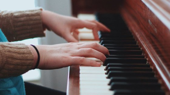 BEST Ways To Learn The Piano in 2021? [Ultimate Guide]
